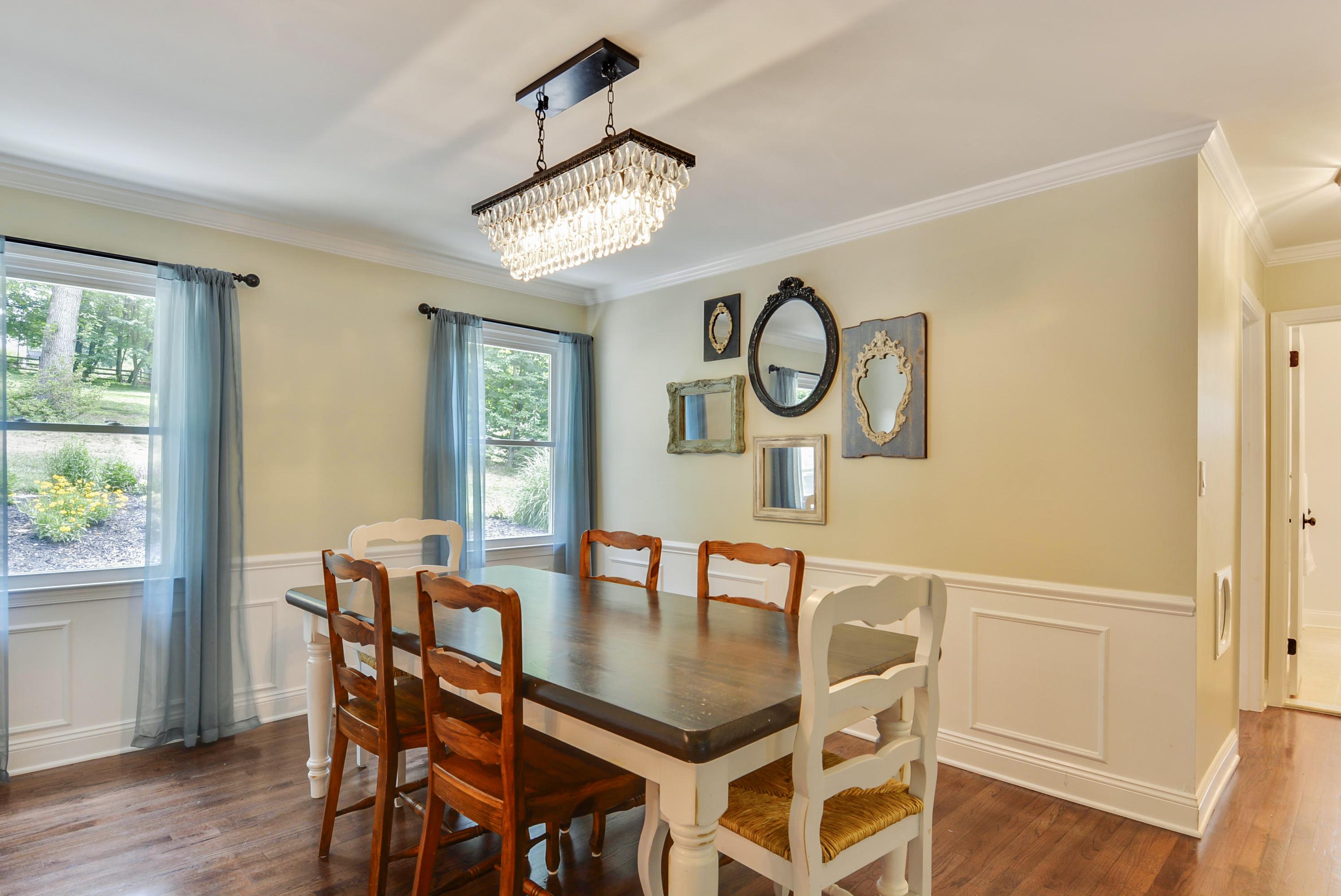Main Level-Dining Room-_DSC7704
