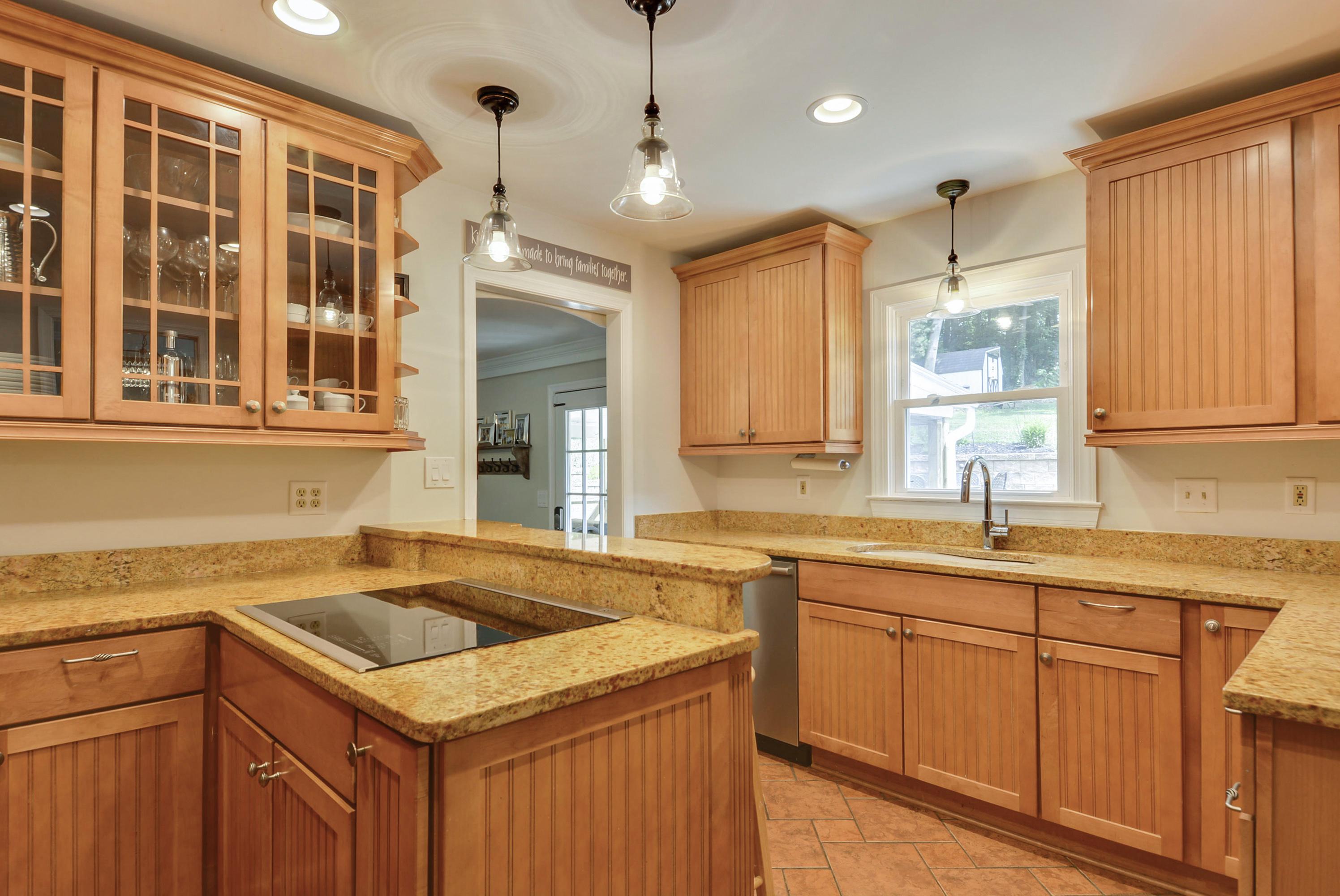 Main Level-Kitchen-_DSC7716