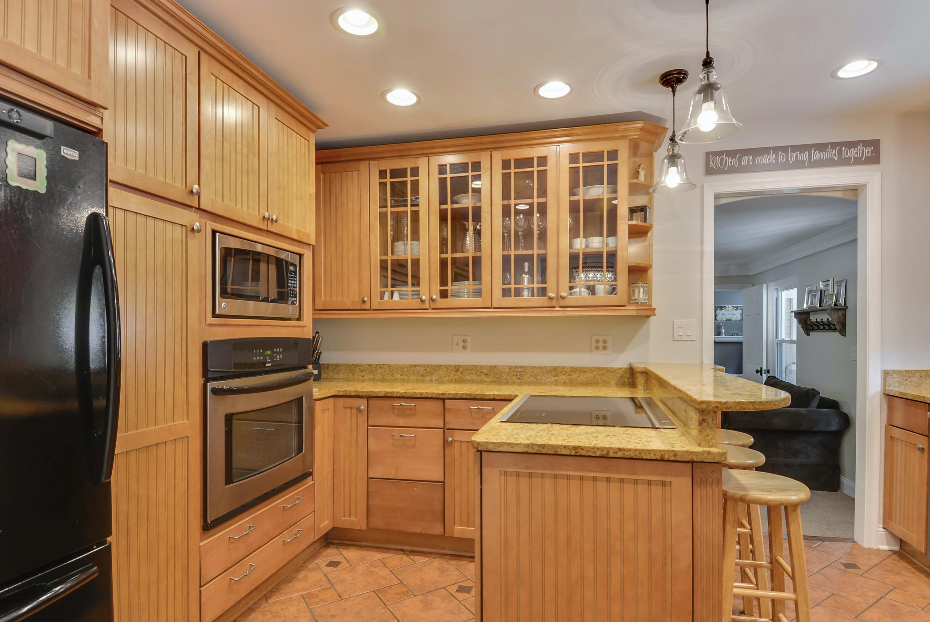Main Level-Kitchen-_DSC7722