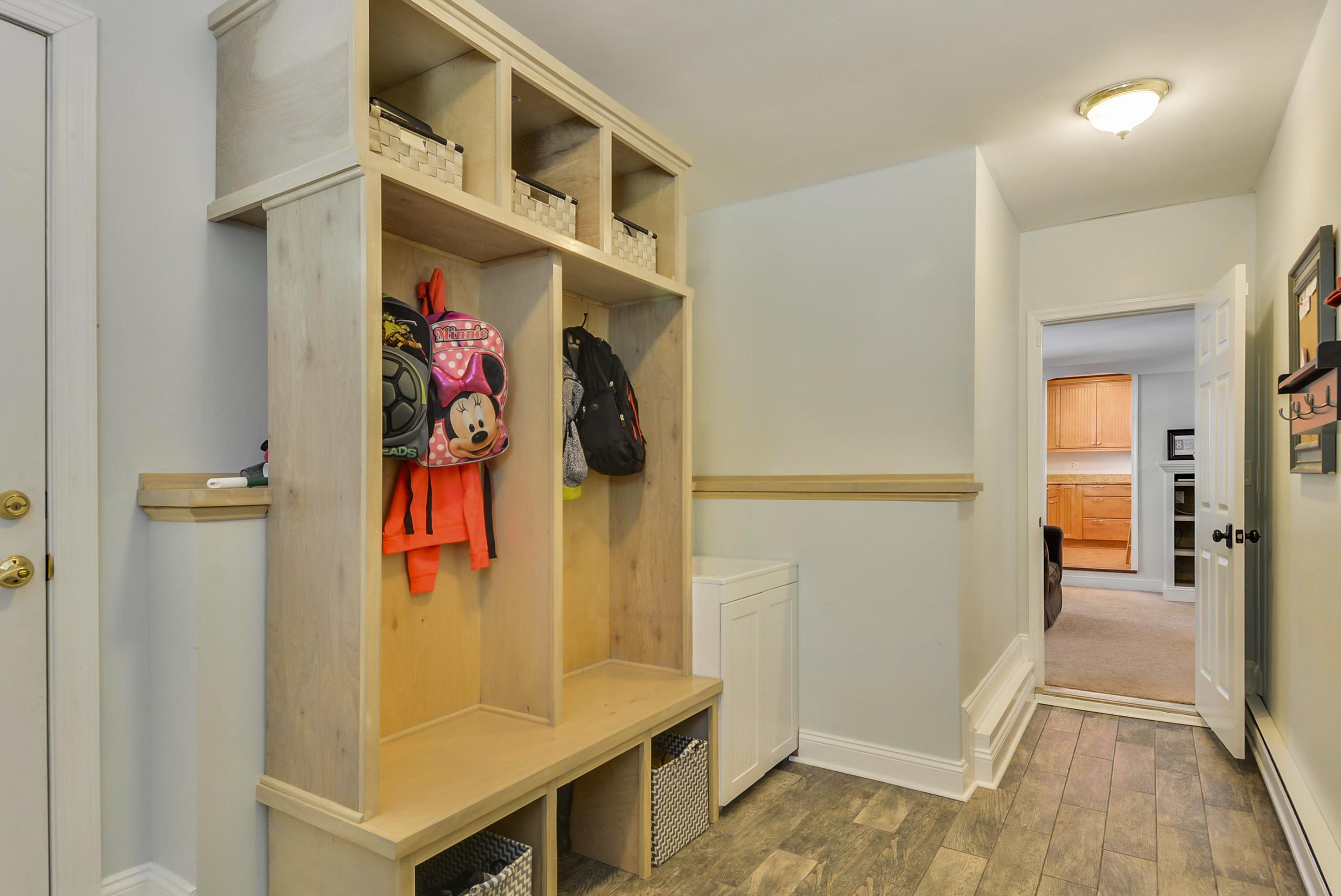 Main Level-Mud Room-_DSC7749