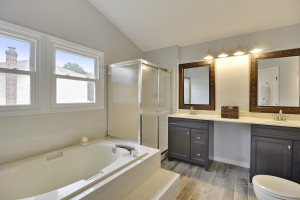 Upper Level-Master Bath-MG1169